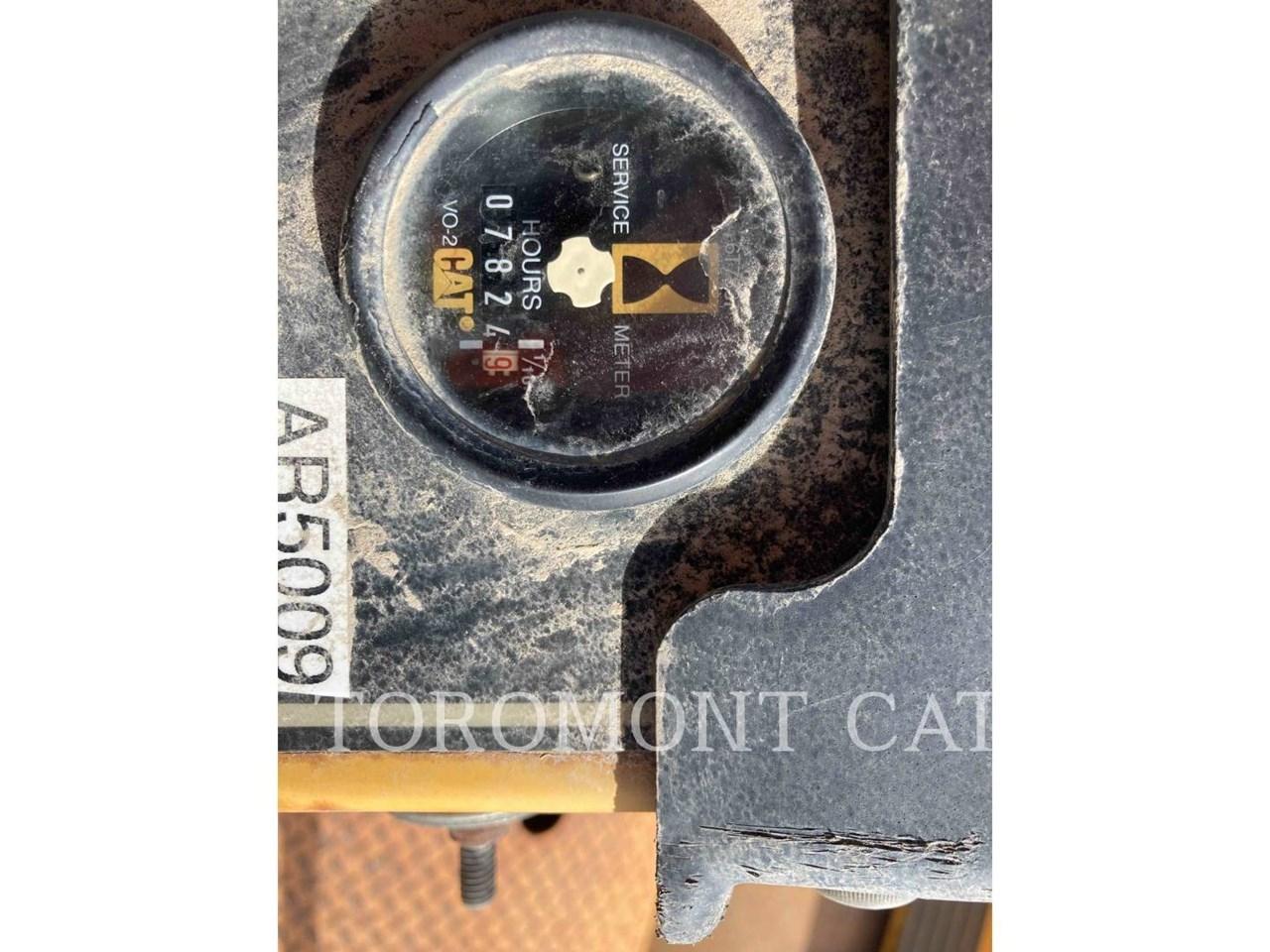 2000 Caterpillar CB634C Image 5