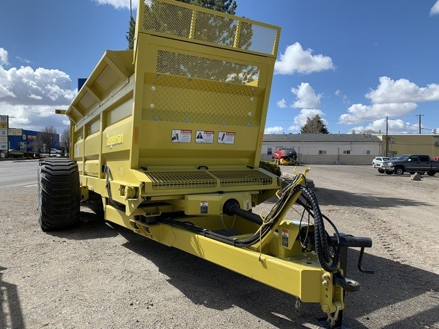 2021 Degelman M34 Manure Spreader-Dry For Sale