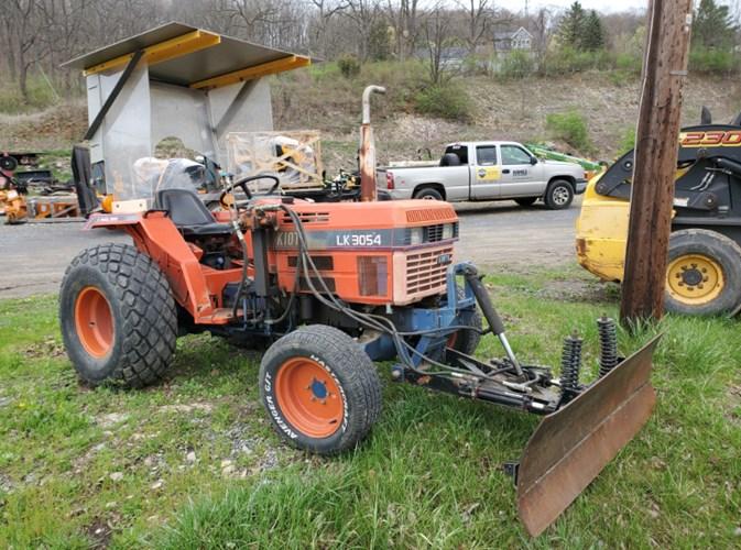 2004 Kioti LK3054 Tractor - Compact Utility For Sale