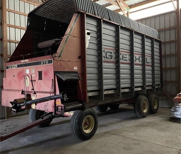 Gehl BU970 Forage Box-Wagon Mounted For Sale