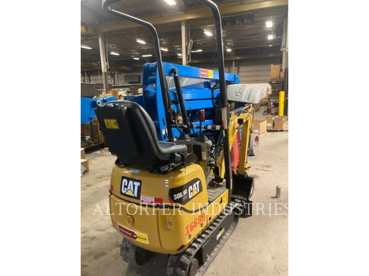 2019 Caterpillar 300.9D VPS Image 3