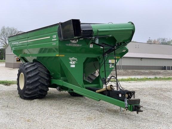 2010 J & M 1326-22S Grain Cart For Sale