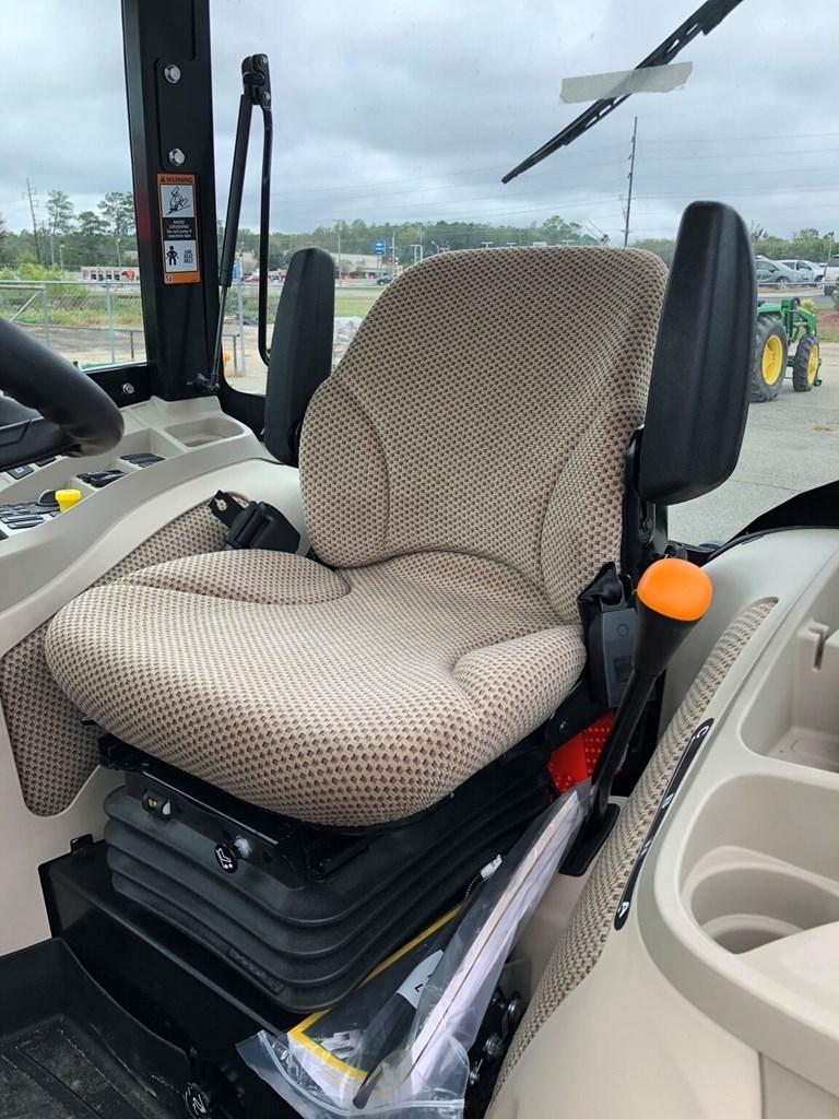 2021 John Deere 4066R CAB Image 7
