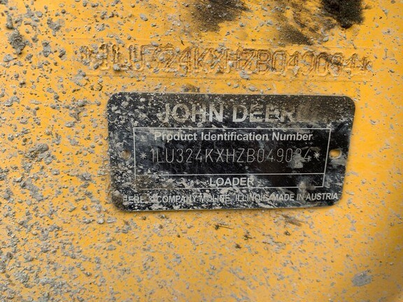 2018 John Deere 324K Image 6