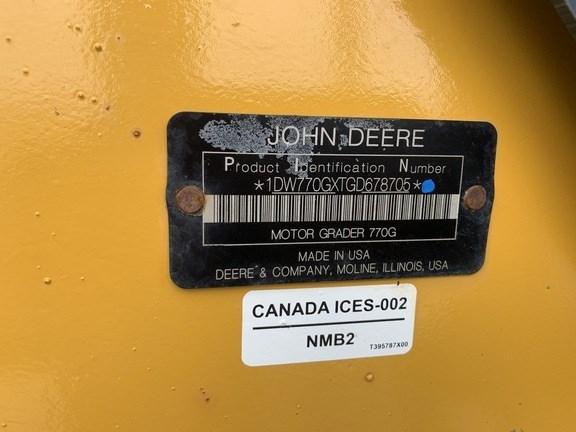 2017 John Deere 770G Image 13