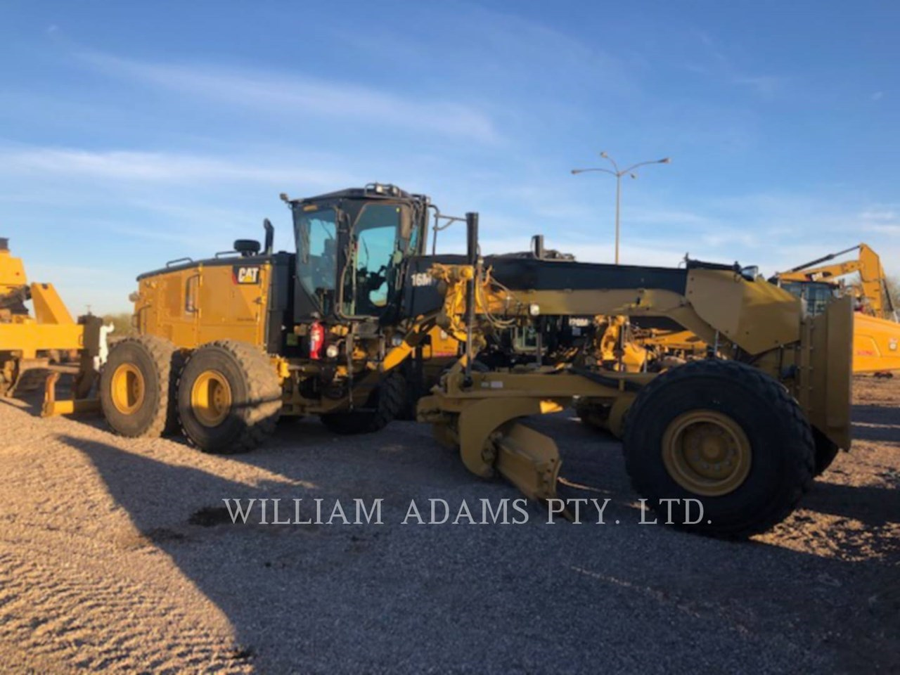 2018 Caterpillar 16M3 Image 7