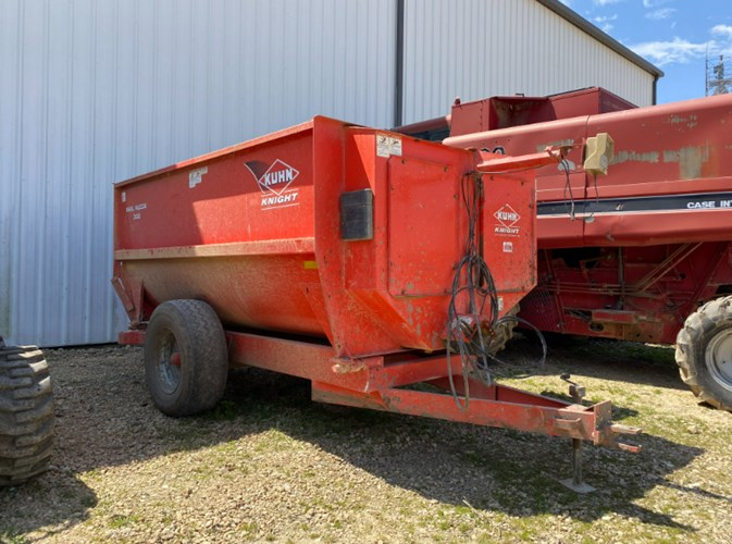 Kuhn Knight 3130 Feeder Wagon-Portable For Sale