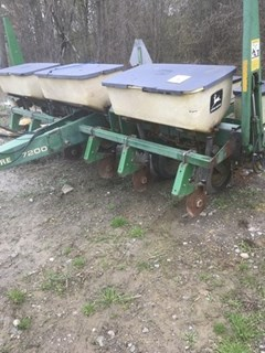 Planter For Sale 1991 John Deere 7200