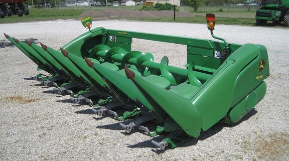 2009 John Deere 606C Header-Corn For Sale