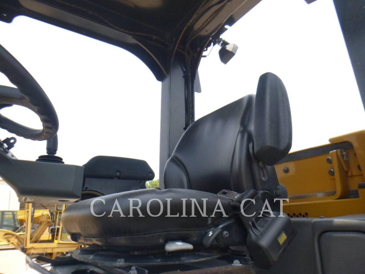 2018 Caterpillar CS56B Image 10