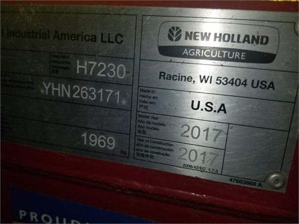 2017 New Holland H7230 Image 6