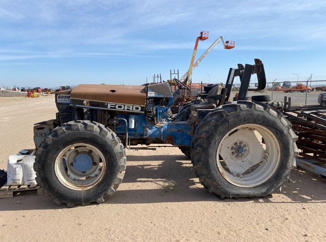 New Holland 6640 Tractor For Sale