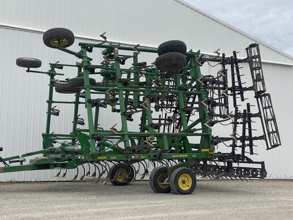 2013 John Deere 2210 Field Cultivator For Sale