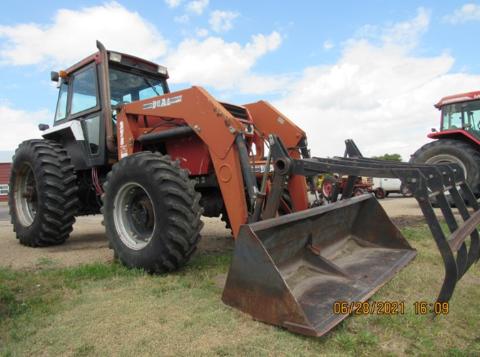 1986 Case IH 1896 Tractor For Sale