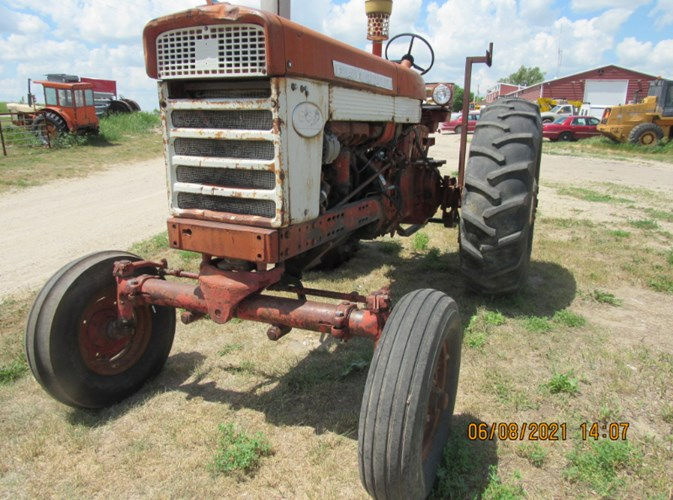 I.H.C. 560 Tractor For Sale