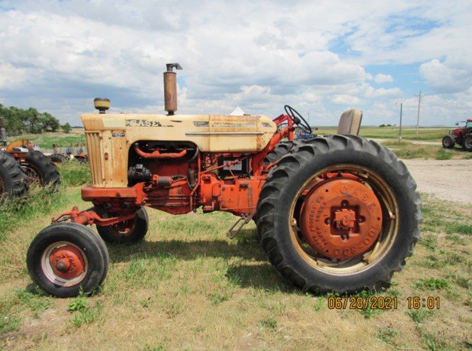 1962 Case 830 Tractor For Sale