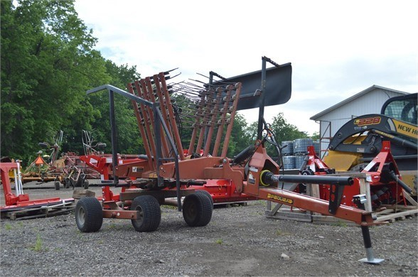 Pequea HR1140 Hay Rake For Sale