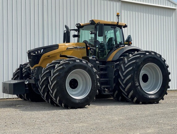 2018 Challenger 1050 Tractor - Row Crop For Sale