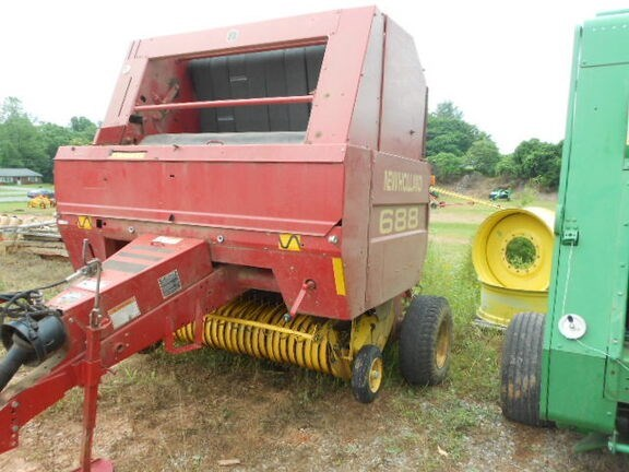 2001 New Holland 688 Baler-Round For Sale
