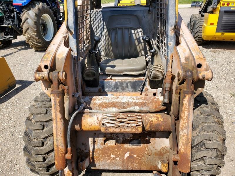 2002 Case 40XT Image 5