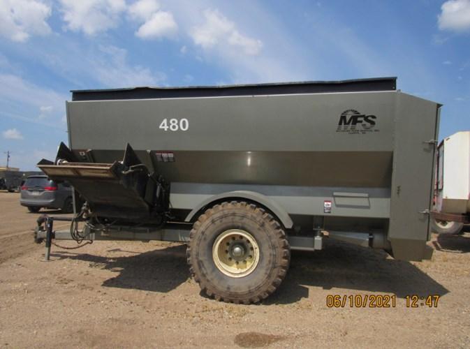 Meyerink Farm Service 480LH Feeder Wagon-Portable For Sale