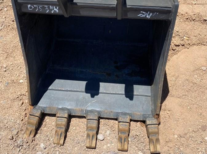 2020 Case 24IN Bucket