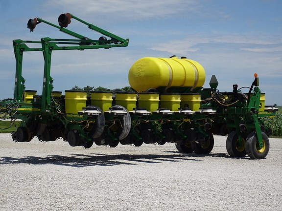 2010 John Deere 1770NT Planter For Sale