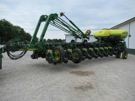 2011 John Deere 1770NT CCS Planter For Sale