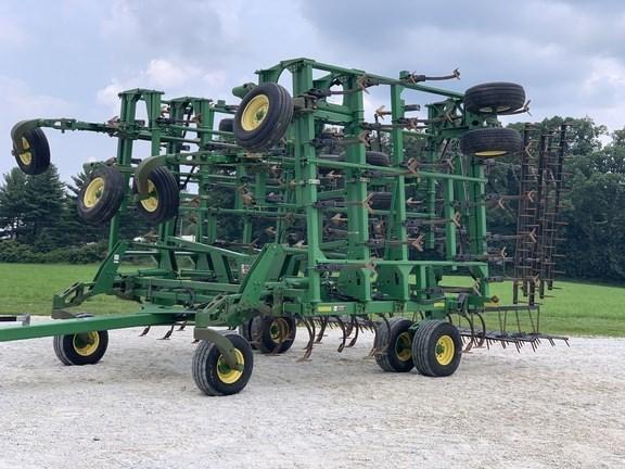 2006 John Deere 2210 Field Cultivator For Sale