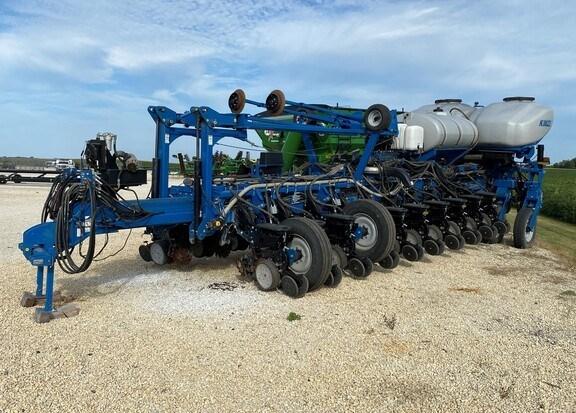 2014 Kinze 4900 Planter For Sale