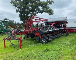 Planter For Sale: 2013 Case IH 1255-16