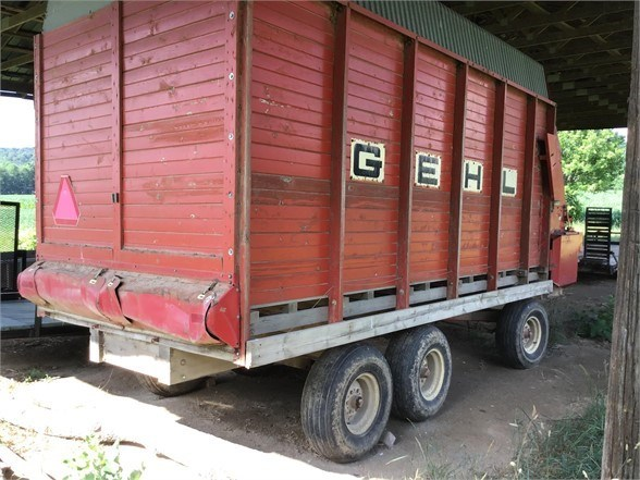 Gehl 960 Forage Box-Wagon Mounted For Sale