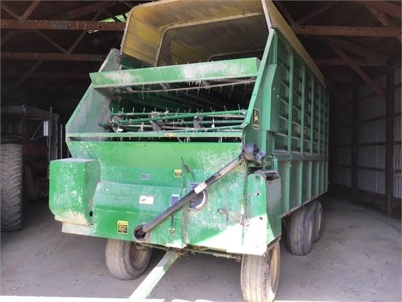 John Deere 716A Forage Box-Wagon Mounted For Sale
