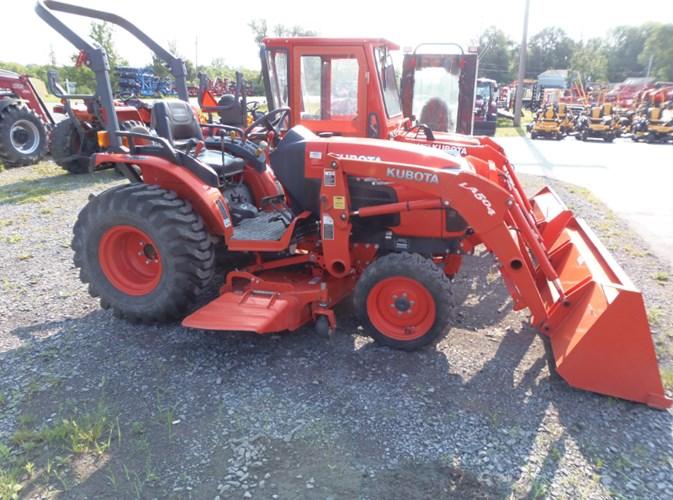 2011 Kubota B3200HSD Tractor For Sale