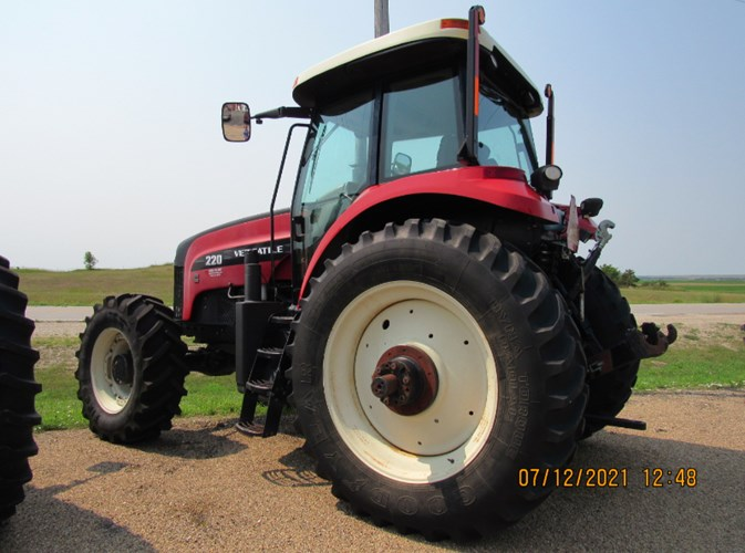 2010 Versatile 220 MFD Tractor For Sale
