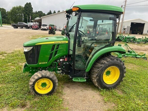 2015 John Deere 3033R Tractor - Compact Utility For Sale