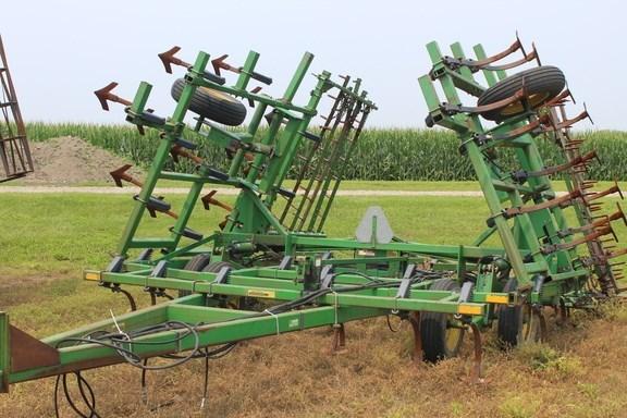 1991 John Deere 960 Field Cultivator For Sale