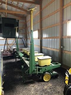 Planter For Sale John Deere 7100