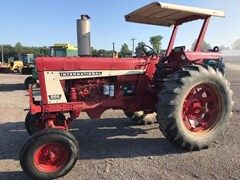 Tractor - Utility For Sale 1975 International 666 , 73 HP