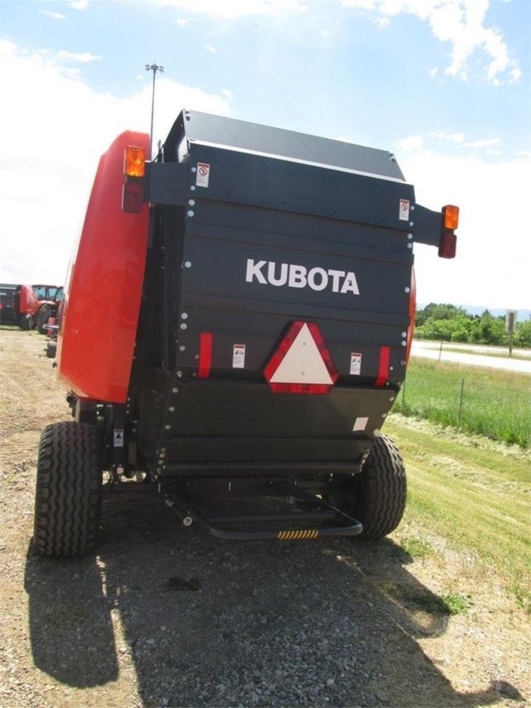 2015 Kubota BV4180Prem Image 2