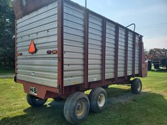 Forage Boxes and Blowers For Sale H & S H D TWIN AUGER
