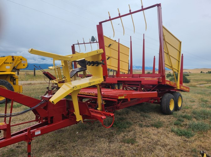 1980 New Holland 1036 Bale Wagon-Pull Type For Sale