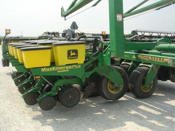 1998 John Deere 1780 Planter For Sale