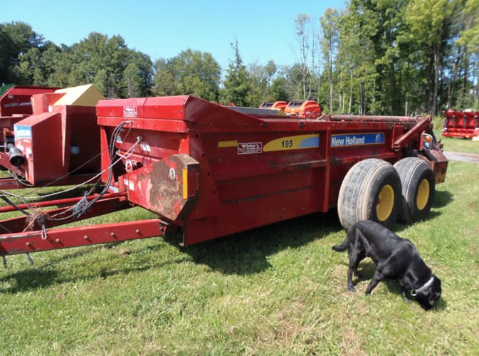 New Holland 195 Manure Spreader-Dry/Pull Type For Sale