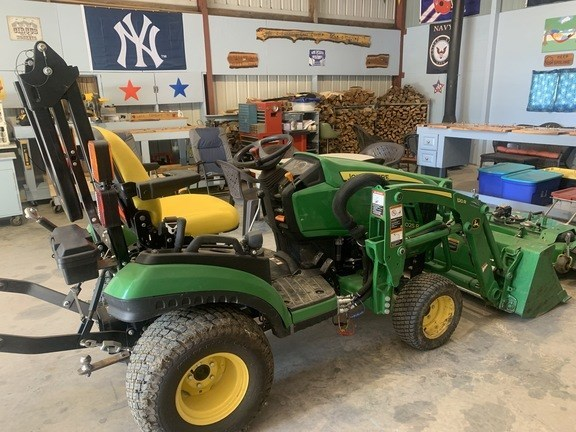 2017 John Deere 1025R Tractor - Compact Utility For Sale