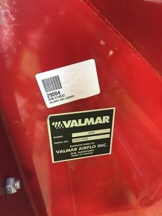 2014 Valmar 2455 Image 2