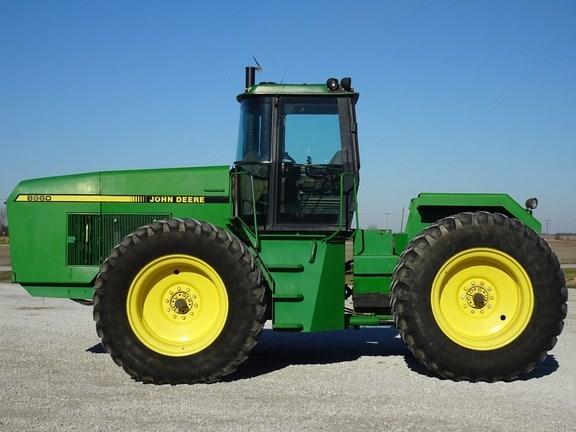 1989 John Deere 8960 Tractor - 4WD For Sale