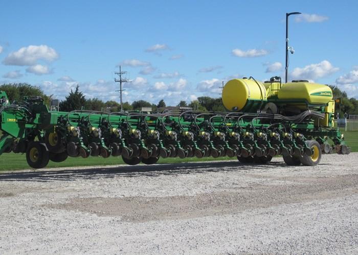 2013 John Deere DB90 Planter For Sale
