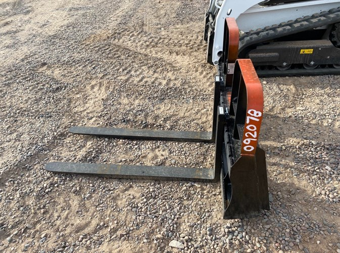 General Implement 4000PFL Forklift Attachment