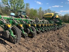 Planter For Sale 2020 John Deere 1775NT